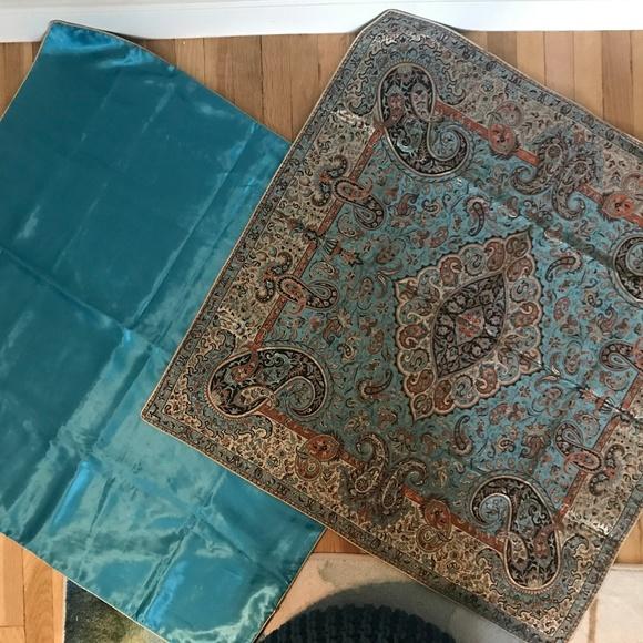 Decorative Tablecloth Set (2pcs)TermheTapestry
